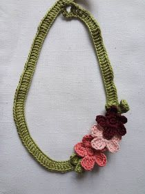 Flower Necklace Tutorial   {Last Minute Gifts }                    Skill level : beginner/easy      Time: (less than) an hour ...