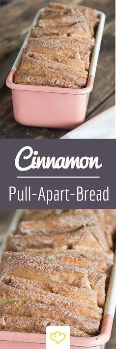 Cinnamon Pull-Apart-Bread oder auch Zimt-Zupfbrot. Am besten den Teig schon am Vorabend vorbereiten. Während das zimtig-buttrige Brot im Ofen hochbackt, verbreitet sich ein herrlicher Duft - der auch den größten Morgenmuffel in die Küche lockt! Ein Rezept für's Wochenende!