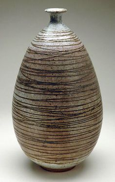 Peter Voulkos stoneware vase from Black Mountain college Ceramic Clay, Ceramic Pottery, Pottery Art, California College Of Arts, Black Mountain College, Paperclay, Contemporary Ceramics, Robert Rauschenberg, Ceramic Artists