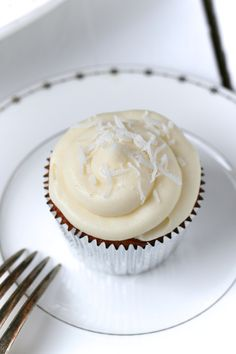 coconut lime cupcakes with white chocolate frosting