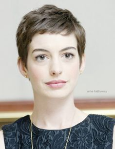 all I want in life is to be as beautiful as Anne Hathaway.
