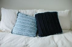 True Blue Throw Pillows - A Free Pattern on My Hobby is Crochet