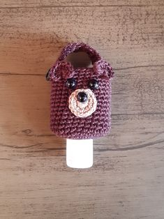 Crochet Case, Crochet Purses, Diy And Crafts, Arts And Crafts, Cozy Cover, Hand Sanitizer Holder, Bottle Holders, Crochet Earrings, Crochet Patterns