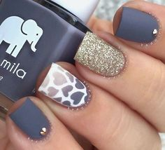 Hearts grey gold nails!