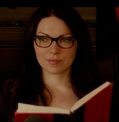 alex vause - laura prepon. Omg my new sexy addiction love the geeky glasses girl u are hot ummm x
