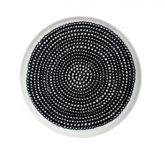 Designed by Maija Louekari for Marimekko this modern black and white plate features the Siirtolapuutarha pattern. Shop at Aria for a collection of modern, contemporary tableware for everyday dining. Marimekko, Side Plates, Small Plates, Dinner Table, Dinner Plates, Ceramic Tableware, Dots Design, Design Design, Villeroy