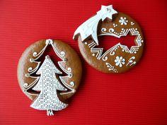 vánoční Christmas Baking, Christmas Fun, Christmas Cookies, Xmas, Christmas Ornaments, Gingerbread Houses, Gingerbread Cookies, Bake Sale Cookies, Polymer Clay Christmas