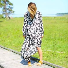 """Creative Director Cecilia Blankens in a perfect cool summer outfit. Wearing a dress from BCBG and Italian made sandals """"The Pacific"""" from Blankens. #blankens #yourblankens #thepacific #sandals #bcbg #ootd #inspiration #instafashion #summer"""