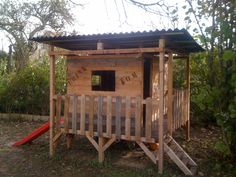 Kid's house made out of pallets #Garden, #Hut, #Kids, #Pallet