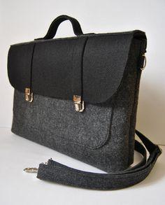 Felt laptop bag 16 MacBook urban bag Color anthracite by kmBaggies