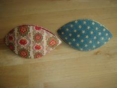 pitimini: Tutorial guarda dedales Quilt Making, Bag Making, Diy Handmade Bags, Diy Bags No Sew, Sewing Case, Sewing Kits, Costura Diy, Couture, Paper Piecing