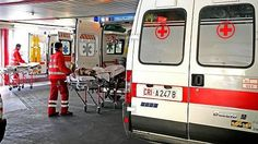 """Lavoro Bari  L'azienda sanitaria barese ha pubblicato un annuncio per il reclutamento del personale. Il fabbisogno in tutta la regione è di 770 medici 870 infermieri e 800...  #LavoroBari #offertelavoro #bari #Puglia Bari la Asl a caccia di medici per il 118: """"Troppe rinunce. E in pochi partecipano ai concorsi"""""""