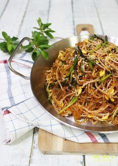 Vegetable Seasoning, Japchae, Pork, Vegetables, Cooking, Ethnic Recipes, Wraps, Food Food, Kale Stir Fry