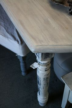Reloved Rubbish: Whitewashed Farm Table    love her website! she makes it all look so easy!