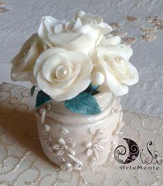 effetto shabby vasi : Vasetto shabby con effetto lavagna decorato a mano con corda e fiori ...