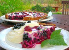 berry pie + vanilla cream