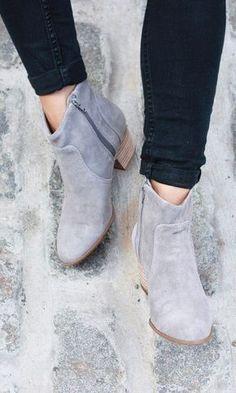 Western-inspired booties in grey suede I love grey!