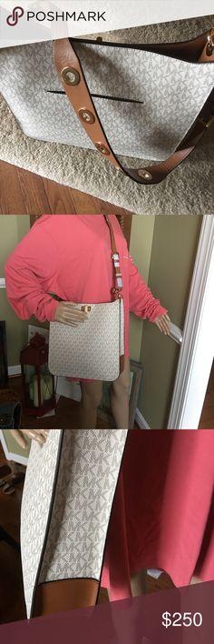 "MK Large Messenger New with tags Sullivan vanilla messenger 12"" W X 12"" H x3"" D strap cross body length MICHAEL Michael Kors Bags Crossbody Bags"
