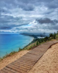 This hidden trail is one of the best hikes in Michigan (Empire, MI) Vacation Places, Vacation Spots, Places To Travel, Places To Visit, Travel Destinations, Vacation Travel, Travel Tourism, Italy Vacation, Italy Travel