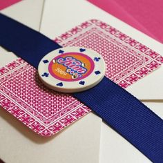 Planning a Las Vegas bachelorette party? This custom playing card party invite is very unique with its poker chip bellyband and elegant Vegas theme. Las Vegas, Vegas Bachelorette, Bachelorette Party Games, Vegas Theme, Vegas Party, Casino Party, Casino Wedding, Bachelorette Party Invitations, Invites