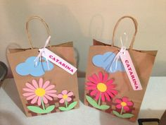 Sacolas de Papel Personalizadas: Como Fazer - 30 Ideias Easy Crafts, Diy And Crafts, Arts And Crafts, Paper Crafts, Creative Gift Wrapping, Creative Gifts, Decorated Gift Bags, Animal Crafts For Kids, Fairy Birthday
