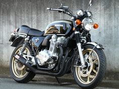 "Honda CB 1100 K10 ""Four"" #3 Four by White House Japan. Vintage Honda look to the new CB1100! Awesome. I want one."