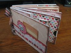 Love this little book that you can make from simple envelopes...complete instruction are included...I'm DOING this!