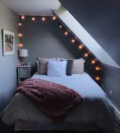 Bedroom furnishings- Schlafzimmer Einrichten Bedroom Setup – up up the room - Bedroom Setup, Bedroom Inspo, Bedroom Decor, Bedroom Ideas, Bedroom Crafts, Cozy Bedroom, Bedroom Inspiration, Teen Room Decor, Aesthetic Rooms