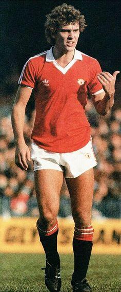 Bryan Robson Man Utd Bryan Robson, Days Of Future Past, Manchester United Football, Football Kits, Man United, Soccer Players, Captain Marvel, The Unit, Hero