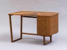 Desk in Walnut