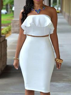 Look standout in this white bodycon dress. In a figure flattering fabric this beaut with ruffle detail, strapless design will ensure all eyes are on you. Team with strappy nude heels and matching clutch for a luxe look. Sexy Dresses, Dress Outfits, Fashion Dresses, Frilly Dresses, Frilly Skirt, Prom Dresses, Formal Dresses, White Fashion, Look Fashion