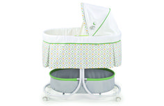 """I love this bassinet & can't believe my #baby grew out of it."" @themodernmommy reviews our Soothe & Sleep #Bassinet."