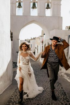 Western details merge with the Yolancris boho bride in a folk inspired photoshoot signed by wedding photographers Chris & Ruth. Elvis Wedding, Edgy Wedding, Elegant Wedding Dress, Wedding Styles, Wedding Dresses, Fall Wedding, Wedding Photos, Greece Wedding, Green Wedding Shoes