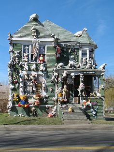 "Tyree Guytan, ""Animal House"", the Heidleberg Project, Detroit"