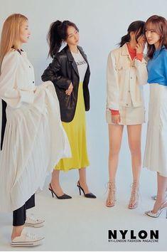 Navy Rain coat Outfit - Rain coat For Women Cute - Green Rain coat Outfit - Rain coat Outfit Baddie - Stylish Raincoats, Raincoats For Women, Raincoat Outfit, Hooded Raincoat, Fashion Advice, Fashion Outfits, North Face Coat, Entertainment, Kids Coats