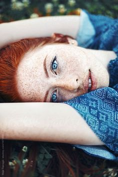 """kathifee-world: """"♥"""" class freckles - Sommersprossen Beautiful Freckles, Beautiful Red Hair, Gorgeous Eyes, Beautiful Redhead, Pretty Eyes, Redheads Freckles, Freckles Girl, Redhead With Freckles, Red Heads Women"""