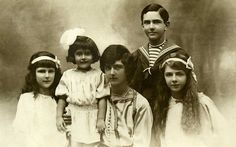 Jolanda, Mafalda, Umberto, Giovanna e Maria House Of Savoy, Italy House, Family Research, Bulgaria, Cannes, Vintage Photos, Royals, Queens, Mario