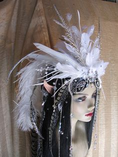 Not for anything in particular, just thought it was beautiful. Moonlight Faerie Headdress by ~SolsticeArtbyTara on deviantART Star Trek, Snow Queen Costume, Creative Costumes, Awesome Costumes, Hair Jewels, Ice Princess, Hair Decorations, Fx Makeup, Carnival