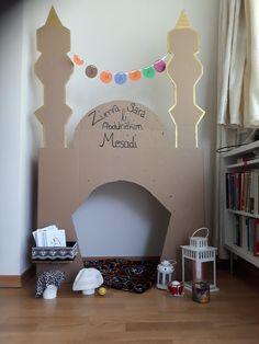 diy-ramadan-decor-made-from-cardboard 45 Soothing And Calming Ramadan Decorating Ideas Eid Crafts, Ramadan Crafts, Diy And Crafts, Crafts For Kids, Ramadan Design, Decoraciones Ramadan, Islam For Kids, Ramadan For Kids, Prayer Corner