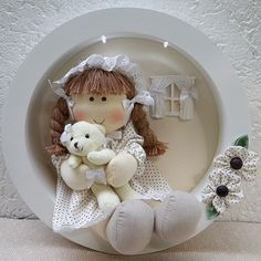 porta maternidade Baby Crafts, Felt Crafts, Diy And Crafts, Baby Frame, Tree Wedding, Nursery Design, Diy Dollhouse, Clay Art, Girl Room