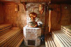 Cool: In der Schwarzbrenner-Sauna gibt es einen echten Brennofen und heiße Aufgüsse.
