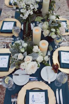 Love love love the gold paired with the navy blue! #weddinginspiration #tablescape #eventdesign