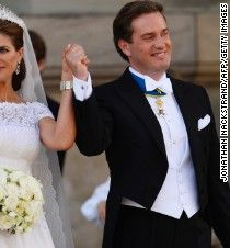 A new study found that couples who spend less on their wedding tend to have longer-lasting marriages than those who splurge.