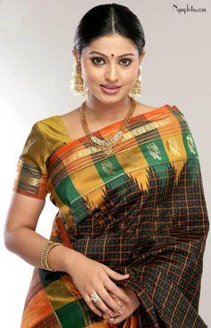 south indian actress sneha in saree