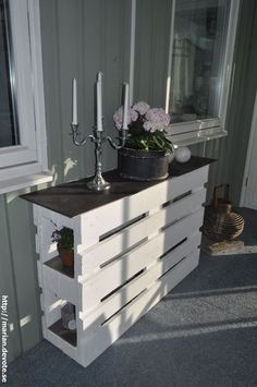 Kreative Möbel Ideen mit Holzpaletten Creative furniture ideas with wooden pallets Related Post Wow, beautiful bathroom in Shabby Chic Look Wood Pallet Recycling, Wooden Pallet Projects, Wooden Pallet Furniture, Wooden Pallets, Pallet Ideas, Diy Furniture, Pallet Wood, Outdoor Furniture, Furniture Design