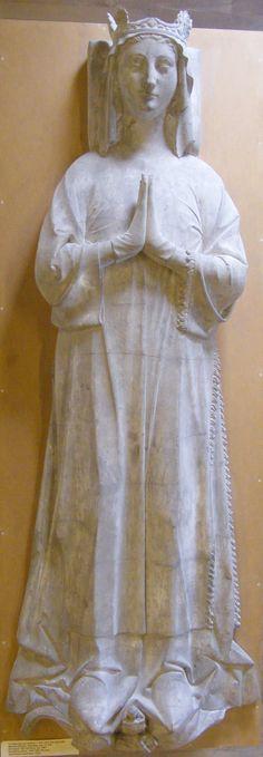 Blanche de Castilles, 1252, Denmark, Copenhagen casts collection from France, Paris, St Denis Cathedral, http://www.themcs.org/costume/Female/Denmark%20Copenhagen%20-%20casts%20collection%20France%20Paris%20St%20Denis%20Cathedral%20Blanche%20de%20Castilles%201252%201811.JPG