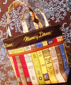 Nancy Drew Lunch Bag by Lettyb, via Flickr---there is a link to Pink Penquin for tutorial
