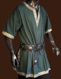 Clothes and Medieval Arms Reproduction   Tunic green