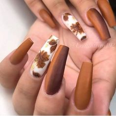 will have to try out nail designs this fall; Autumn nails are falling - Nägel ideen - Nageldesign Fall Nail Art Designs, Flower Nail Designs, Acrylic Nail Designs, Dark Nail Designs, Uñas Color Cafe, Ongles Beiges, Gel Nails, Manicure, Coffin Nails