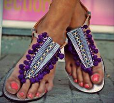 Χειροποίητα σανδάλια από γνήσιο δέρμα στολισμένα με πον - πον, ινδική τρέσα και μεταλλική λιλά τρέσα  http://handmadecollectionqueens.com/Σανδαλια-με-μεταλλικη-λιλα-τρεσα  #handmade #fashion #women #sandals #summer #footwear #storiesforqueens